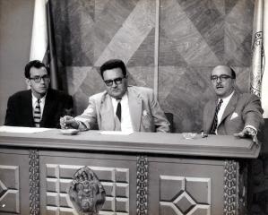 R-Ottolina-LB-Guerrero-y-P-Grases-programa-Venezuela-mira-su-futuro-1956